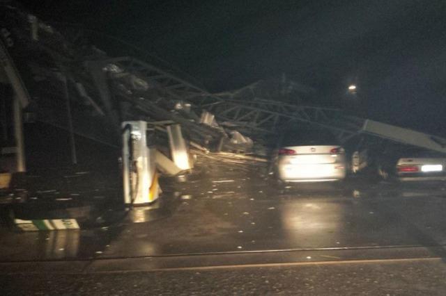 Vendaval derruba telhado de posto de combustíveis em Ibarama Brunno Fagundes/Especial