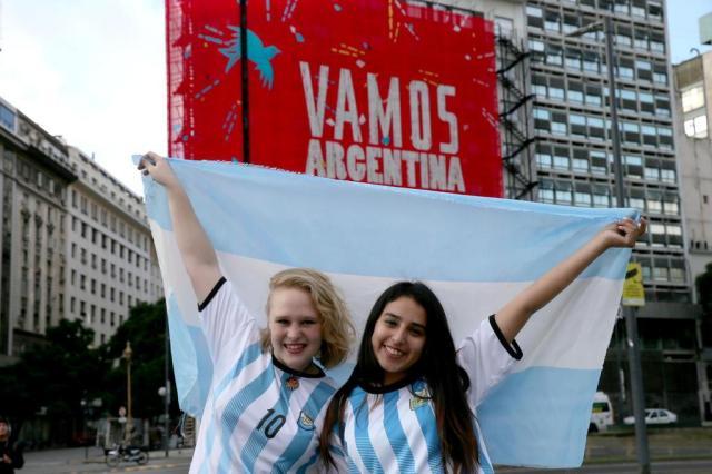 Torcedores saem às ruas da Argentina para celebrar final da Copa Emerson Souza/Agência RBS