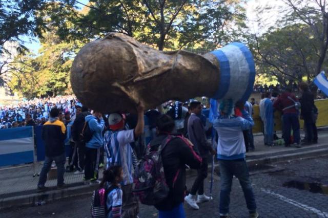 Taça de 1978 é preservada por argentino e vira atração em Buenos Aires Emerson Souza/Agência RBS