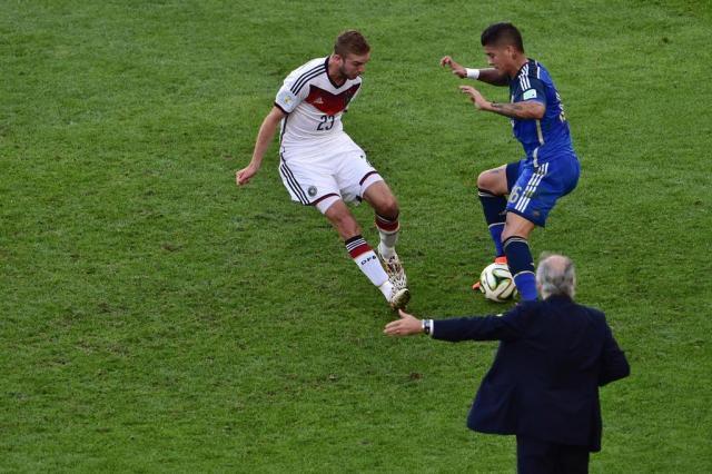 Sabella pede tempo para decidir se continuará técnico da Argentina GABRIEL BOUYS/AFP