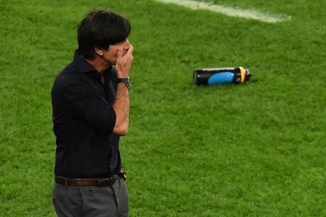 """Joachim Löw para Götze: """"Disse para mostrar que era melhor que Messi"""" GABRIEL BOUYS/AFP"""