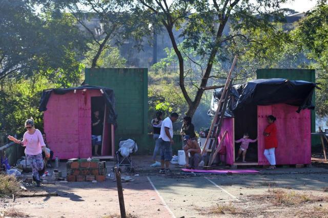 Centenas de famílias invadem e ocupam terreno na zona sul de Porto Alegre Diego Vara/Agencia RBS