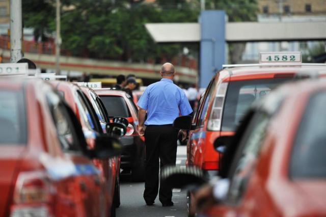Liminar derruba obrigatoriedade de camisa azul para taxistas da Capital Lìvia Stumpf/Agencia RBS
