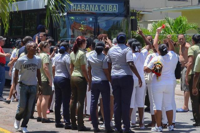 """UE se diz """"muito preocupada"""" com prisão de Damas de Branco em Cuba Francisco Jara/AFP"""