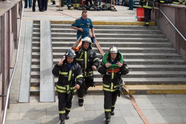Acidente no metrô de Moscou deixa 20 mortos e mais de cem feridos DMITRY SEREBRYAKOV/AFP
