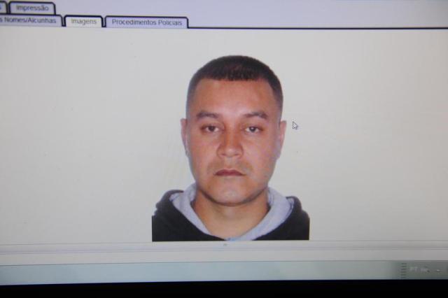 Homem roubou cinco lojas e foi reconhecido ao buscar a namorada no trabalho Luiz Armando Vaz/Agencia RBS