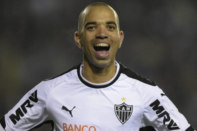 Atlético-MG vence Lanús e coloca uma mão na taça da Recopa JUAN MABROMATA / AFP/