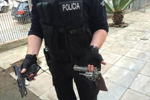 Preso traficante suspeito de ordenar a morte de concorrente na Zona Sul de Porto Alegre Divulgação/Polícia Civil