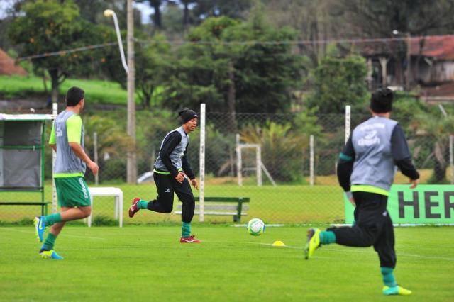 De volta ao time titular, Douglas não vê problema em atuar mais centralizado no ataque do Juventude Gabriel Lain/Especial