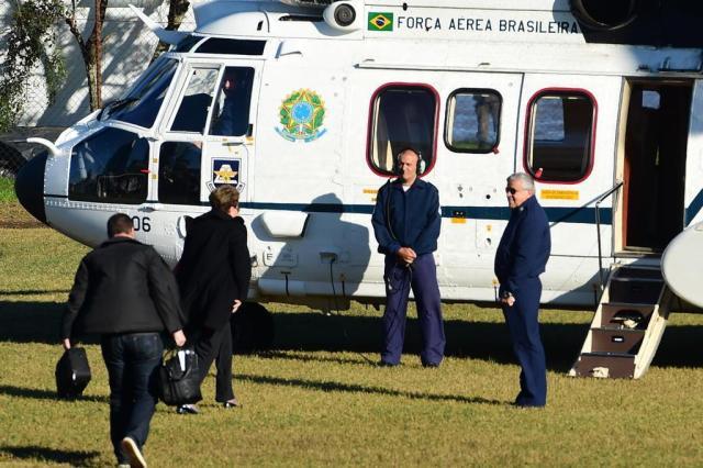 Dilma embarca para Uruguaiana, onde sobrevoa áreas atingidas por cheias Fernando Gomes/Agência RBS