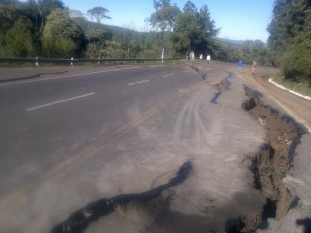 Mapa mostra rodovias com problemas de tráfego em Santa Catarina Daisy Trombetta/RBS