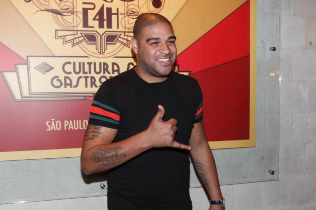 Adriano negocia com Coritiba e Criciúma, afirma site; empresário nega AgNews/AgNews