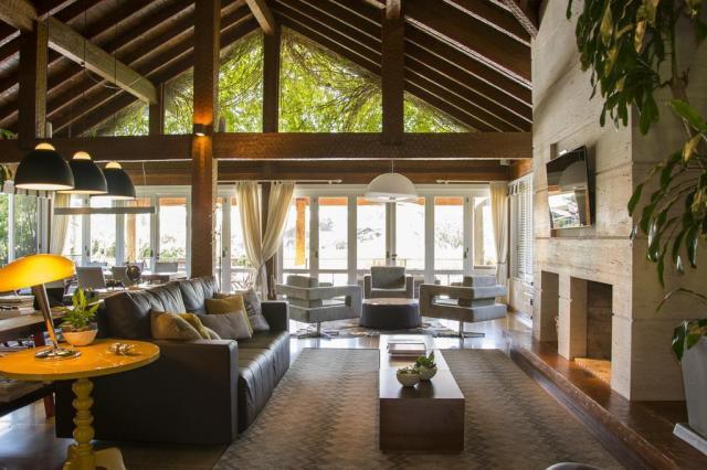 Morada provisória na Zona Sul de Porto Alegre tem projeto de interiores com estilo de permanente Carlos Edler/Divulgação