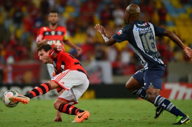 Elano entra em acordo para sair do Flamengo CHRISTOPHE SIMON / AFP/AFP