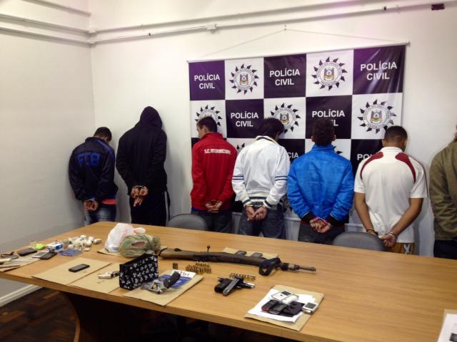 Polícia prende 11 em operação na zona sul de Porto Alegre Paulo Rocha / Rádio Gaúcha/
