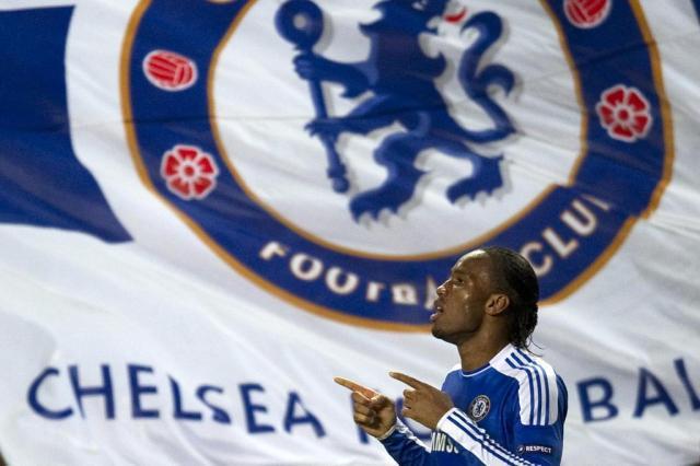 Drogba assina por um ano com o Chelsea Adrian Dennis/AFP