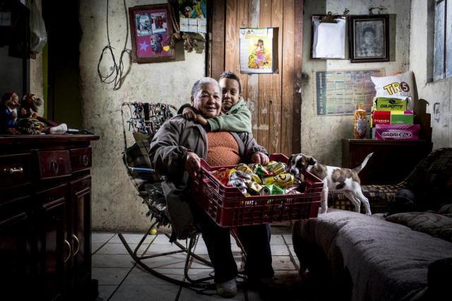Conheça duas avós que mimam os netos, mas também trabalham para sustentá-los Mateus Bruxel/Agencia RBS