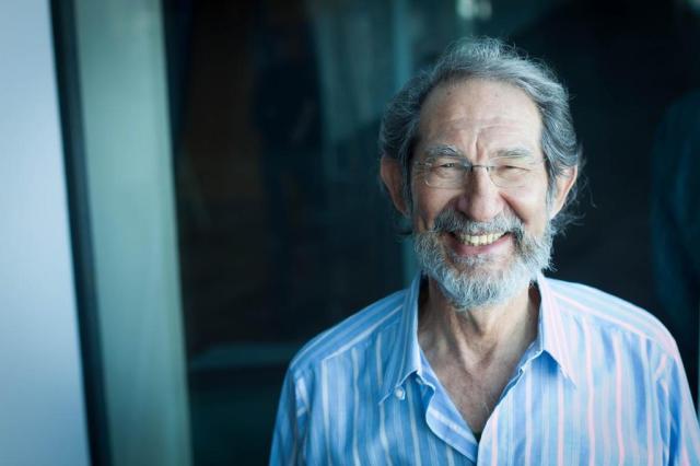"""Geoffrey West: """"A vida biológica é mais lenta do que a vida nas cidades""""    Divulgação/Poptech,Fronteiras do Pensamento"""