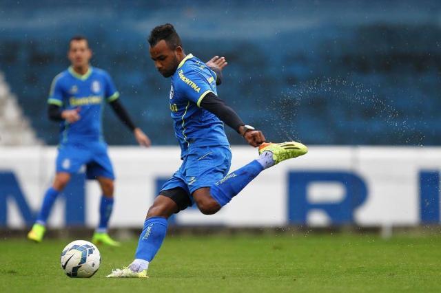 Com Fernandinho, Grêmio terá ataque incisivo contra o Coritiba LUCAS UEBEL/Gremio/Divulgação