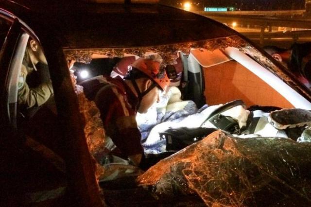 Mulher fica ferida em colisão na BR-448, em Porto Alegre Felipe Daroit/Rádio Gaúcha