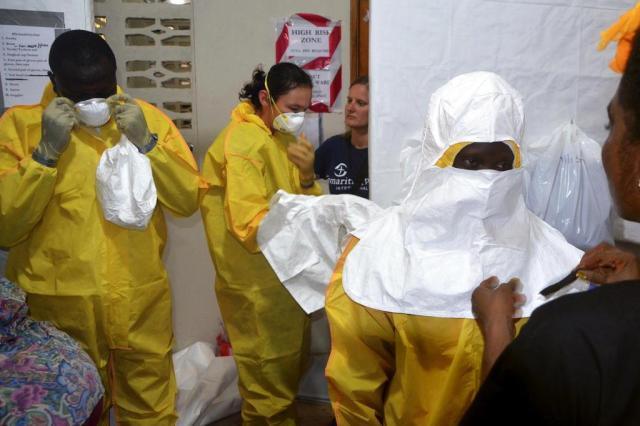 Saiba o que é o vírus ebola e as principais formas de contaminação ZOOM DOSSO/AFP