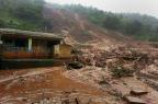 Deslizamento deixa 10 mortos e 200 soterrados em aldeia na Índia STR/AFP