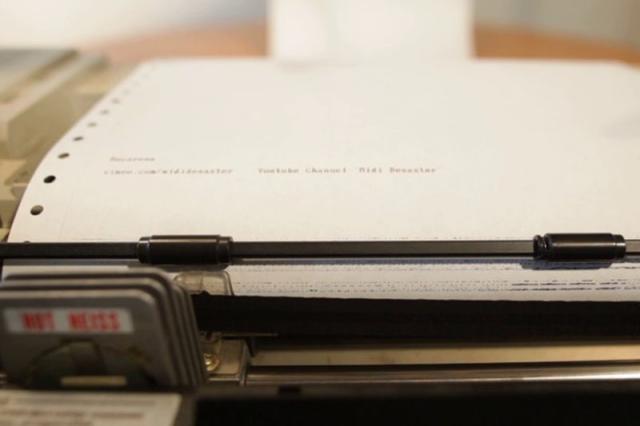 """Impressora """"toca"""" hit Macarena Reprodução/Vimeo"""
