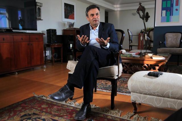 Pressionado por polêmica, Aécio defende aeroportos construídos no interior de Minas Cristiano Mariz/Especial/Especial
