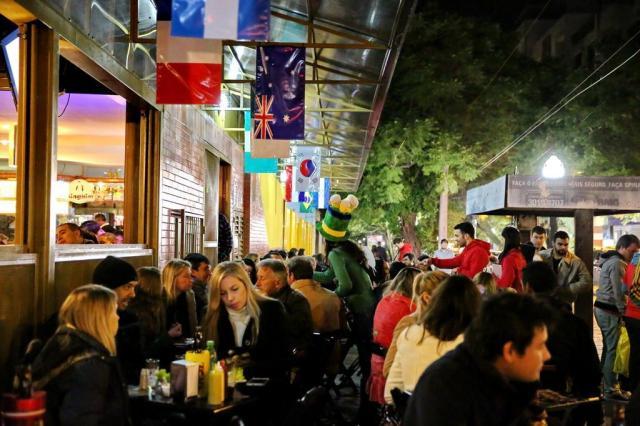 Veja como 10 cidades ao redor do mundo regram o funcionamento dos bares Adriana Franciosi/Agencia RBS