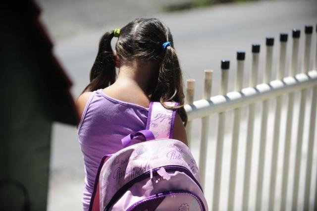 Mochilas pesadas podem causar sérios danos à coluna de crianças e adolescentes Diorgenes Pandini/Agencia RBS
