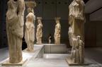 Renovadas, as Cariátides voltam a brilhar em Atenas Eirini Vourloumis/NYTNS