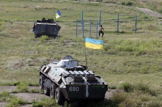Rússia anuncia rendição de mais de 400 soldados ucranianos ANATOLII STEPANOV/AFP