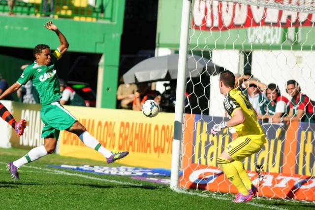 Árbitro volta atrás e diz que Rafael Lima foi responsável por gol da Chapecoense Sirli Freitas/Agencia RBS