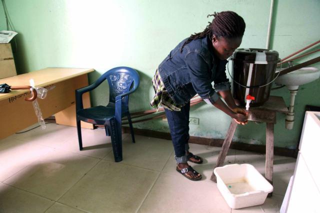 OMS pode declarar vírus ebola ameaça sanitária mundial STRINGER/AFP