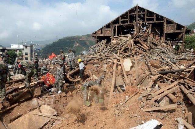 Número de mortos em terremoto na China chega a 589 CHINA OUT/AFP