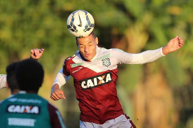 Focado na Chapecoense, Argel trabalha jogadas de bola aérea no Figueirense Cristiano Estrela/Agencia RBS
