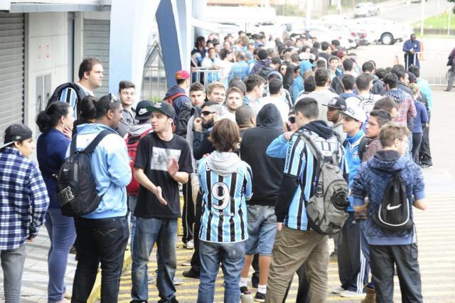 BM é chamada para evitar briga na venda de ingressos no Olímpico Ronaldo Bernardi/Agencia RBS