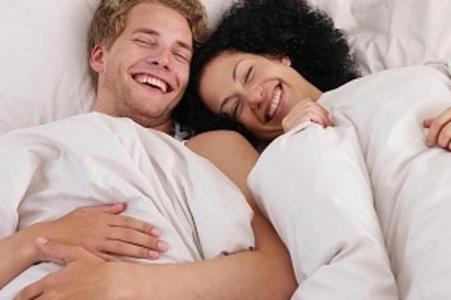 Escritora lista 5 razões para fazer sexo com o marido todas as noites Reprodução/Inmagine Free