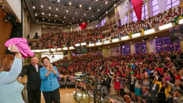 """Em evento evangélico, Dilma cita salmo """"Feliz a nação cujo Deus é o Senhor"""" Ichiro Guerra/Divulgação"""