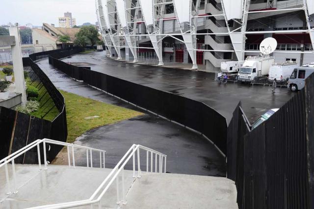 Gremistas reclamam de corredor de acesso ao Beira-Rio Ronaldo Bernardi/Agência RBS/