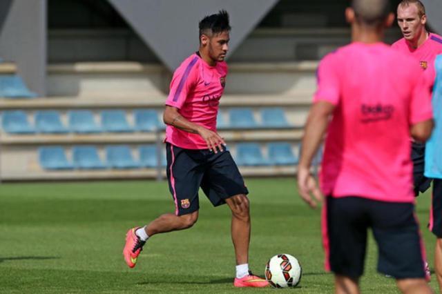 Neymar volta aos treinos no Barcelona e deve estrear na próxima segunda-feira Miguel Ruiz/FCB
