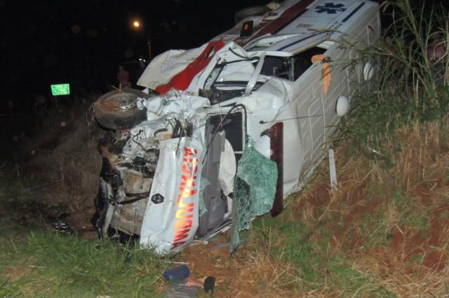 Acidente com ambulância deixa mulher morta e sete feridos no Noroeste Divulgação/Brigada Militar