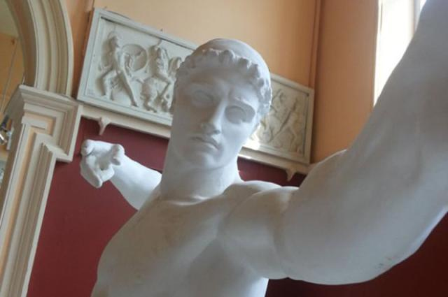 Esculturas clássicas 'fazendo' selfies Reprodução/Reddit
