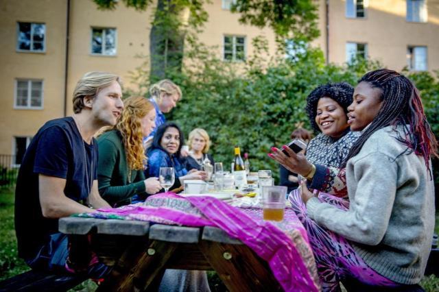 Iniciativa de professora sueca une imigrantes e nativos de Estocolmo Casper Hedberg/NYTNS
