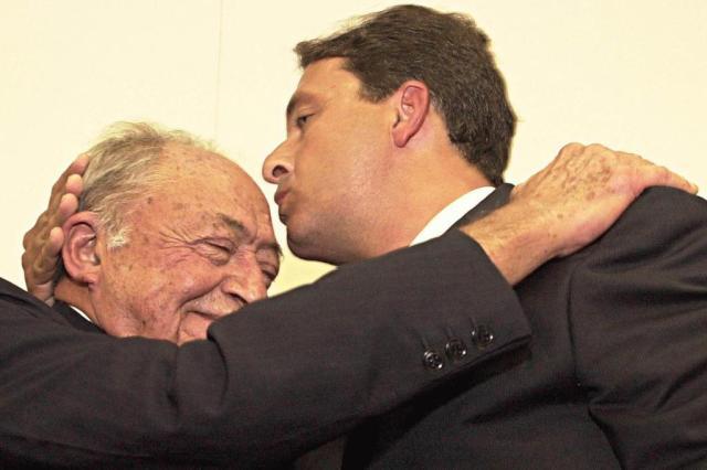 Eduardo Campos morre no mesmo dia do falecimento do avô Miguel Arraes Ver Descrição/ABR