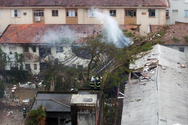 Áudio revela que torre de comando tentou contato 10 vezes com avião de Campos Ricardo Nogueira/AFP