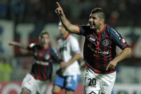 San Lorenzo bate o Nacional-PAR e conquista a Libertadores pela primeira vez (ALEJANDRO PAGNI / AFP/)