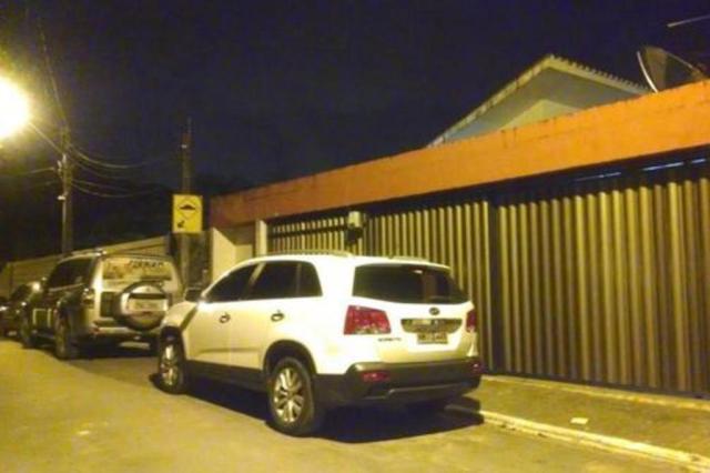 Familiares e amigos vão à casa de Eduardo Campos, em Recife, prestar solidariedade Carlos Rollsing/Agencia RBS