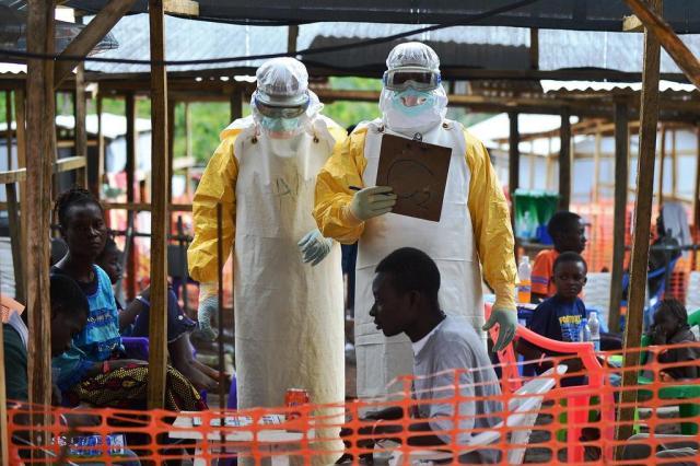 Ebola faz Quênia fechar fronteira para africanos de três países Carl de Souza/AFP