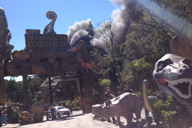 Incêndio atinge o Parque Terra Mágica Florybal, em Canela Bira Gil / Nova Época/